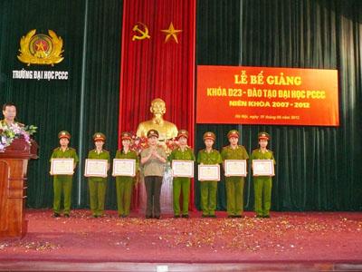 Lễ bế giảng khóa D23 - đào tạo Đại học PCCC niên khóa 2007 - 2012